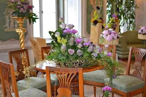 At The Castle, Floristry, Decoration With Flowers