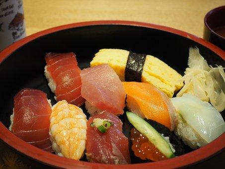 Sushi, Egg, Salmon, Shrimp, Tuna, Salmon Roe, Lunch