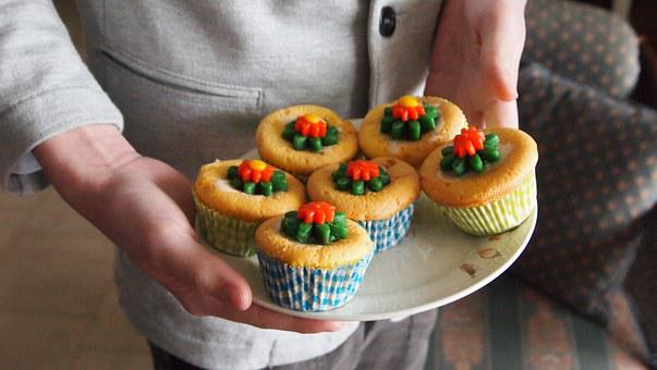 Cake, Cupcake, Flower, Flowers, Marzipan, Handing Out