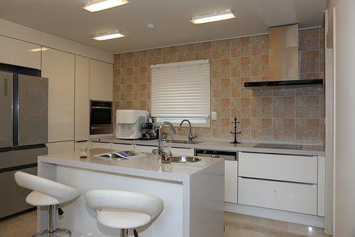 Power House, Kitchen, Isle Radford Dinnerware