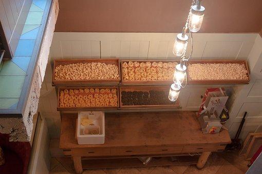 Noodles, Noodle Making, Manufactory, Frisch