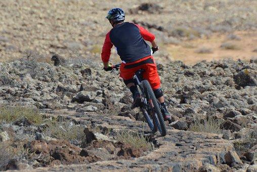 Cyclist, Man, Sports, Mountain Bike, Helmet, Descent