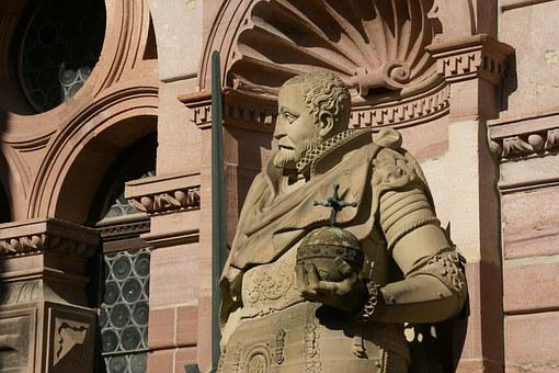 Statue, Friedrichsbau, Castle, Heidelberg, Germany
