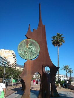 Monument To The Peseta, Promenade, Fuengirola