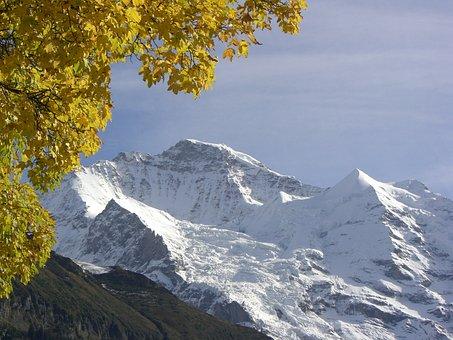 Late Autumn, Virgin, Snow Mountain