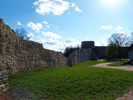 Izborsk, Fortress, Inside View