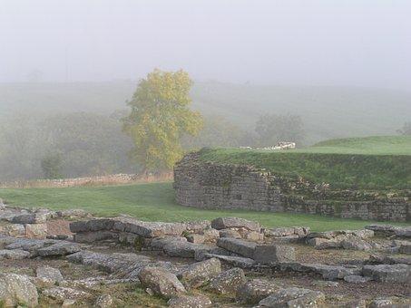 Hadrian's Wall, Mist, Atmospheric, Roman Fort