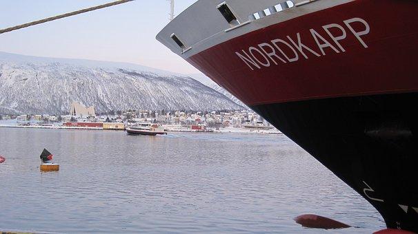 Nordkapp, Hurtigruten, Port