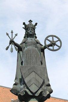 St Ursula, Fountain, Oberursel, Wheel, Arrows, Shield