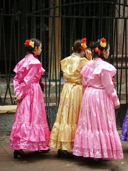 Dressed Folk, Danza Folklorica, Traditional
