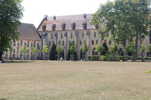 Abbey Royaumont, Abbey, Grass, Garden, France