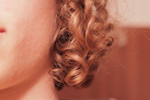 Lure, Hair, Hairstyle, Blond, Curly, Long Hair, Human
