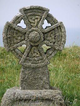 Celtic Cross, 19, Century, Tombstone, Moss, Roof, Old