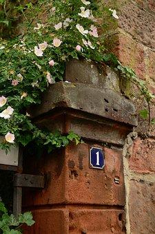 Heck Roses, Wall, Post, Masonry, Stone, Input