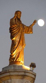 Jesus, Statue, Moon, Christ, Fatima, Portugal, Golden