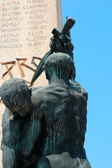 Sculpture, Garda, Bardolino, Desenzano Del Garda, Italy