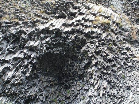 Cascade Du Ray Pic, Basalt, Columnar Basalt