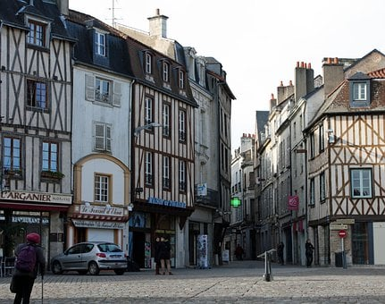 Poitiers Centre, Medieval Buildings, French Place