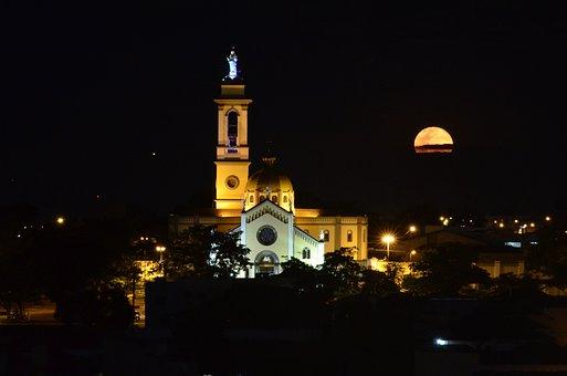 Sanctuary, Abbey, Uberaba, Moon