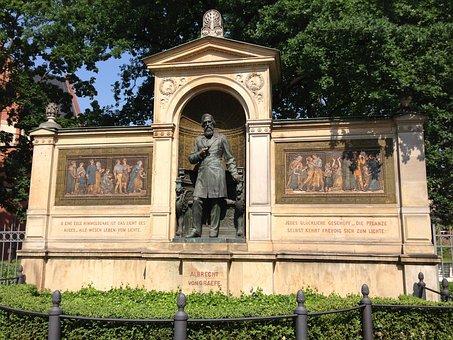 Albrecht Von Graefe, Monument, Berlin, Charité, Statue
