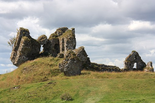 Ruin, Clonmacnoise Castle, Substantiate, Ireland