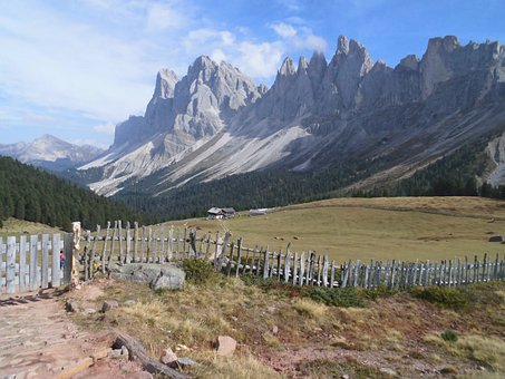 Gruppo Delle Odle, Mountains, Alps, Italy, Scenery