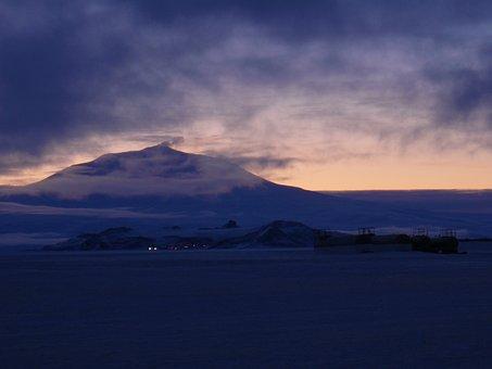 Mount, Erebus, Ross, Island, Ice, Shelf, Antarctica