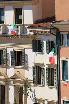 Windows, Verona, Flag, Window, Italy, Architecture