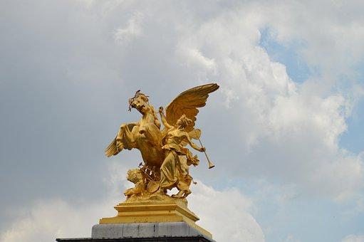 The Fame Of The Arts, Statues, Alexandre Iii Bridge