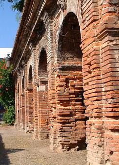 Toulouse, Brick, Pink City