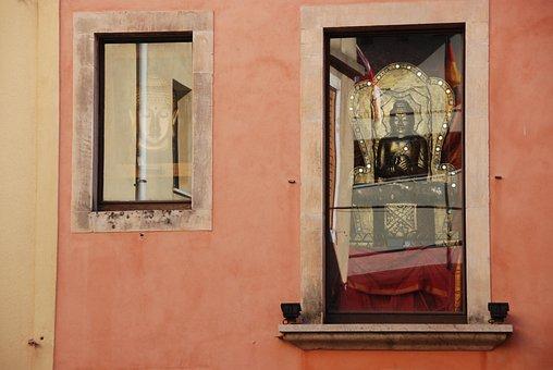 Buddha, Window, Humility