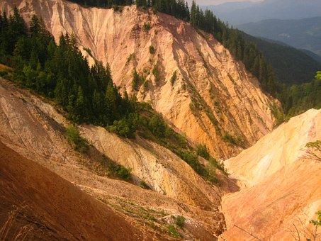 The Pit, Ruginoasa, Apuseni Mountains, Mountain