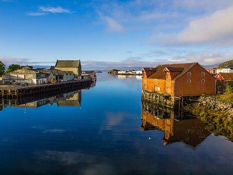 Svolvær, Lofoten, Norway, Sea