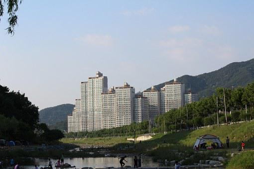 Landscape Photography, Apartments, Valley