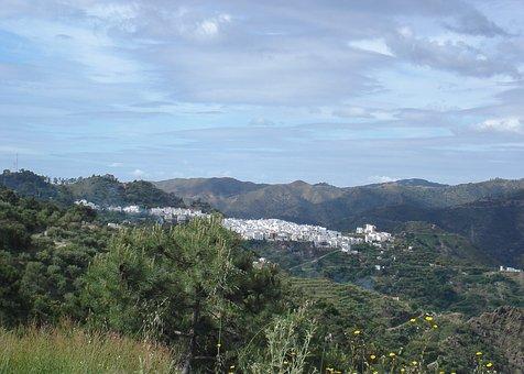 Spain, Andalusia, Tolox, White Village, Sierra