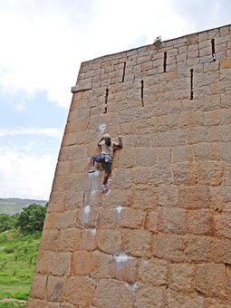 Jyothi Raj, Rock Climber, Chitradurga, Karnataka, India