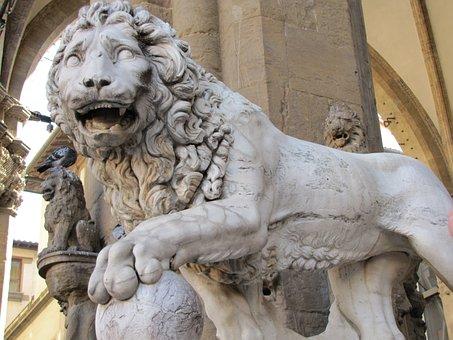 Donatello's Statue, Lion, Statue