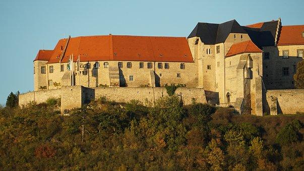 Schloß Neuenburg, Castle, Saxony-anhalt