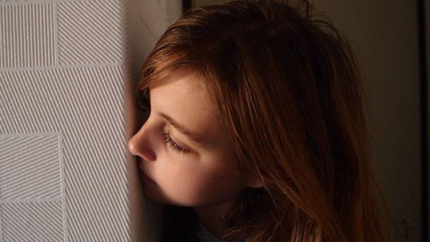 Peep, Girl, Wall, Corner, Blonde, Eyelashes, Face, Room