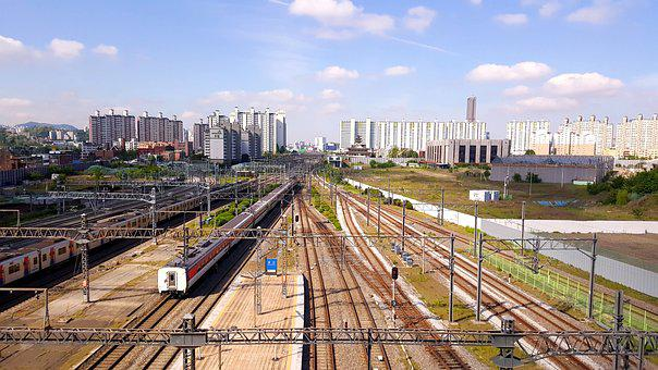 Yongsan Station, Railroad Tracks, The Train Path