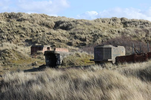 Bunker, Traces Of The Past, War