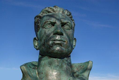Statue, Second War, Resistant, Manouchian, Memorial