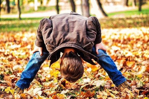 Toddler, Child, Looking Through Legs, Toddlers Playing