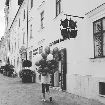 Balloons, Reluctant To, Györ, Ballons
