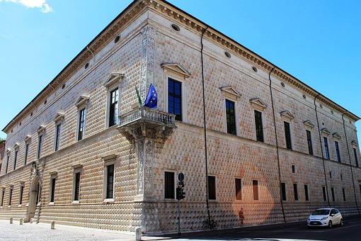 Ferrara, Palace, Dei Diamanti