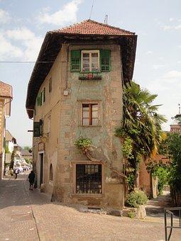 Kaltern, Old House, South Tyrol, Italy, Dolomites