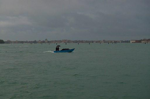 Venice, Two In A Boat, Boat, Rain, Channels, Sea, Lake