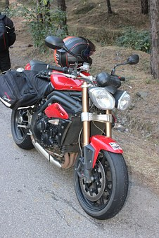 Speed Triple 1050, Bike, Shimla Highway, India