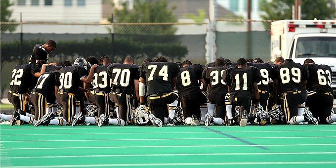 Football Team, Praying, Kneeling, Team, Football Field