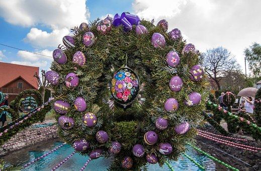 Easter Well, Easter, Easter Eggs, Custom, Wreath